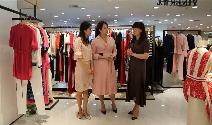 母亲节丨带妈妈去买衣服,该如何选?