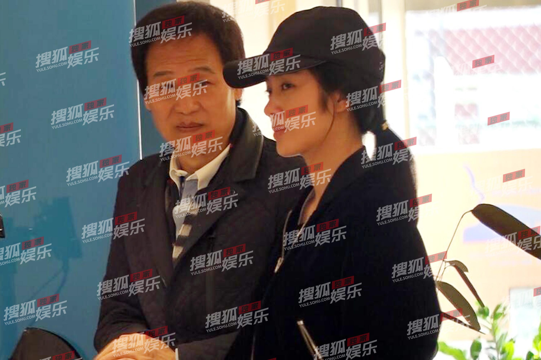 【娱乐24小时】张丹峰从头存眷毕滢让人看不懂;疑乔欣助理