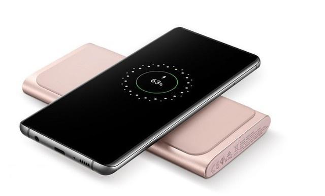 原创            三星发布具备无线充电功能的移动电源,为何用户都认为很鸡肋