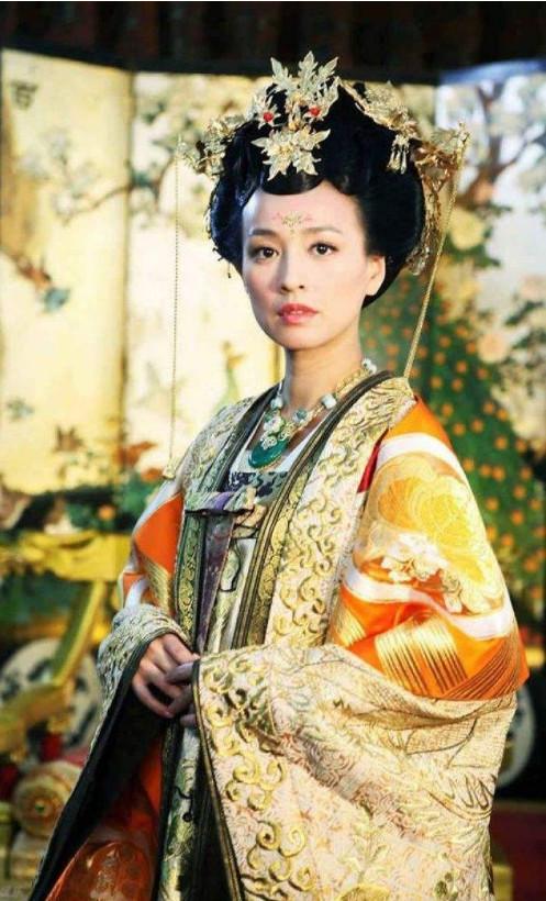 张庭自从和自己的丈夫结婚以来,就很少露面了,更多的是自己去打
