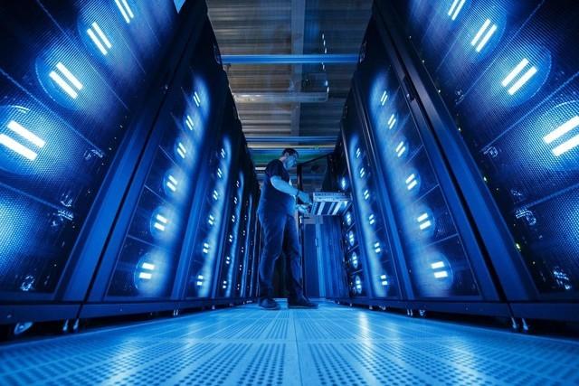 美国宣布投入6亿美元研发全球最快超级计算机
