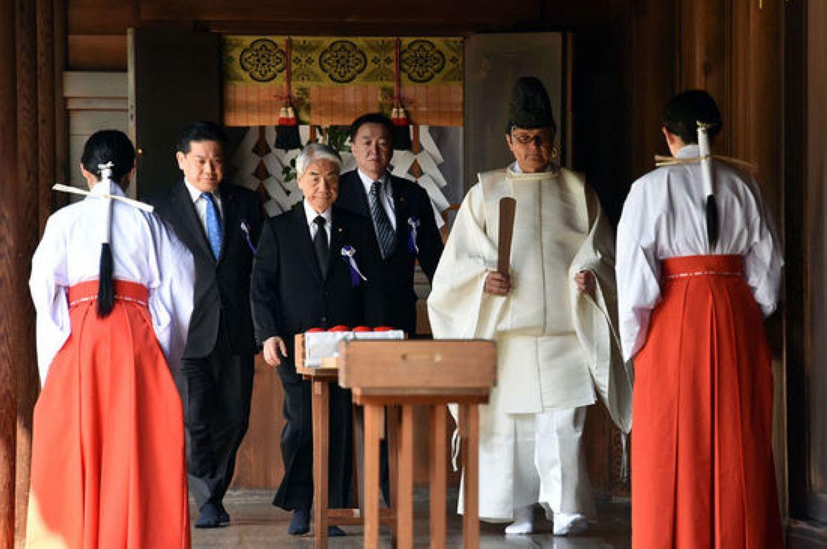日本靖国神社供奉着3个中原人一个是日己方的祖先别的两个推测不到