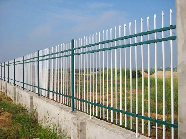 锌钢欧式别墅防护栏和铁艺防护栏哪种比较好