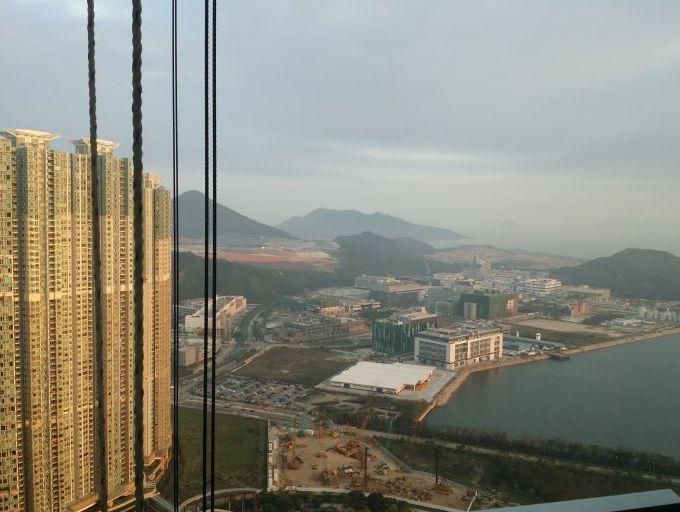 香港楼市疯狂!一楼盘每平42万港元,26平米卖出超千万!金管局发话了_香港楼市
