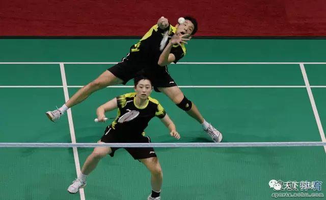 羽毛球双打的打法类型