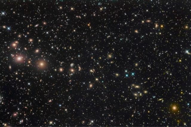 宇宙最大质量天体正发出奇异信号!怎么回事?天文学家:我们也搞不懂……