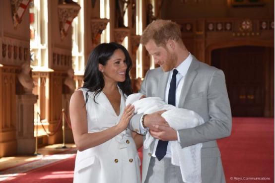 <b>梅根巨款养娃!出生已花费550万,凯特怀小王子却在买打折蔬菜</b>