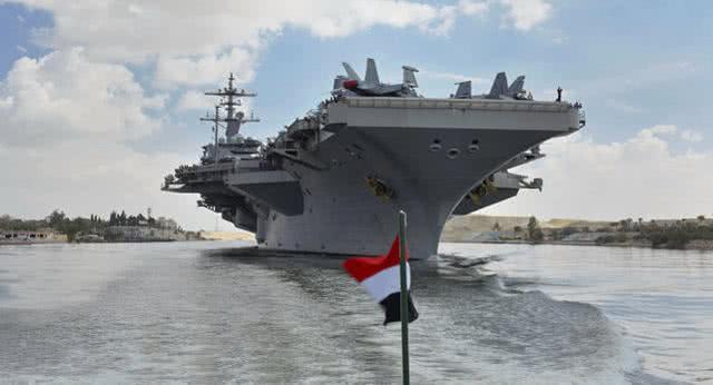 美航母尚在两千公里外,伊朗导弹抢先封锁海峡,美:谁泄露我位置
