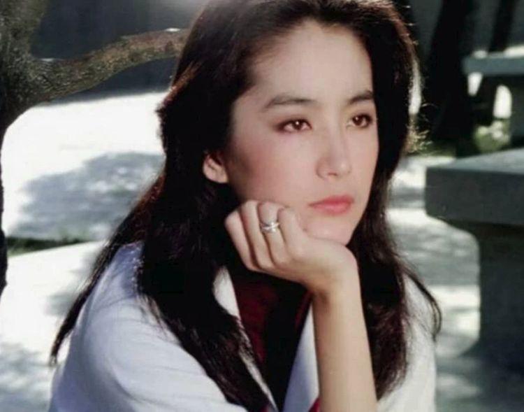 看完林青霞和王祖贤张曼玉的合照后,发现她是真的美