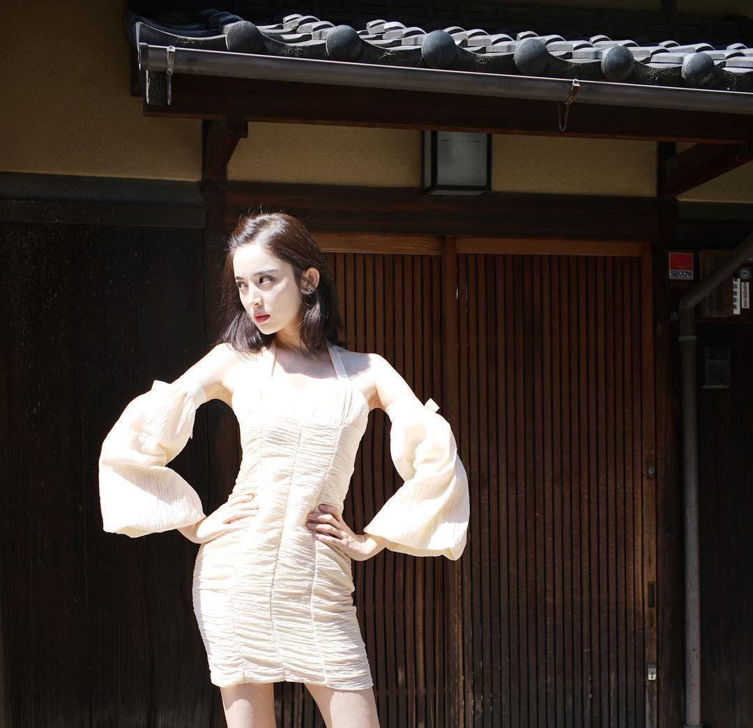 娜扎日本庆生晒私图美炸天!可生图脸却大了一圈,还胖出了小肚子?