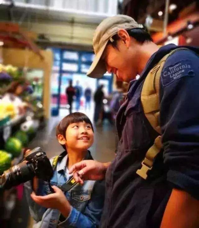 """《都挺好》苏大强爆红:怎样才算一个""""足够好的父亲""""?"""