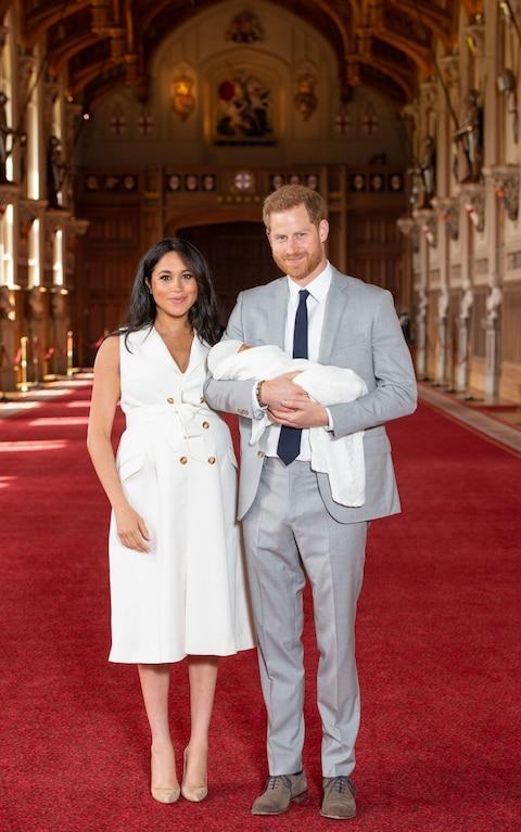 哈利王子,在孩子阿尔奇出生后,与人谈论 非常思念 戴安娜王妃