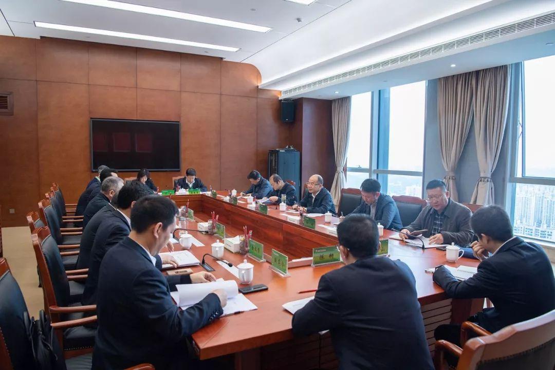 人行贵阳中心支行行长张瑞怀一行到省联社调研指导工作