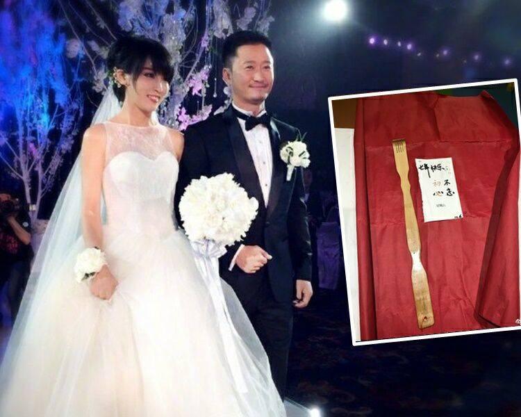 """结婚7周年网上放闪!吴京收妻子送""""不求人""""喻七年不痒"""