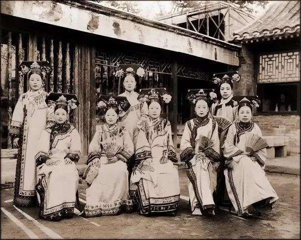 清朝嫔妃的众生相:图六是珍妃,图九是香妃娘娘!图片
