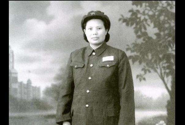 这位女红军丈夫是开国上将,儿子是省长,如今100岁还健在!