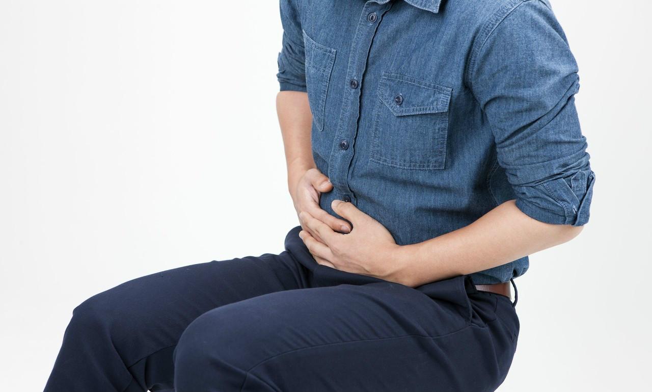 上腹部一旦出现两个信号,最好去体检一下,胃癌可能已经来临