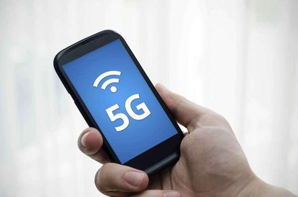 原创             首批5G手机过万元,购买5G手机的合适时间或在2020年后