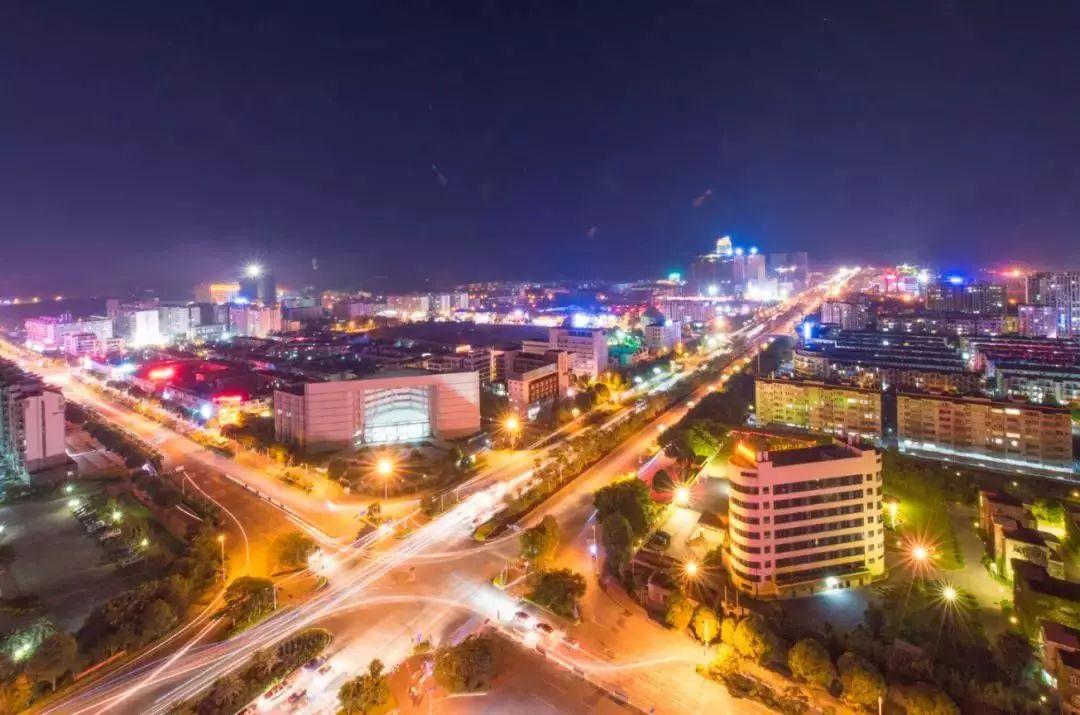 崇左GDP历年_崇左太平古城图片