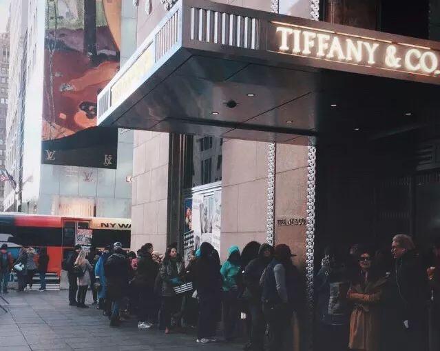 亚洲首家Tiffany Cafe来了!恭喜你,现在2h直飞就能吃上蒂凡尼的早餐了!