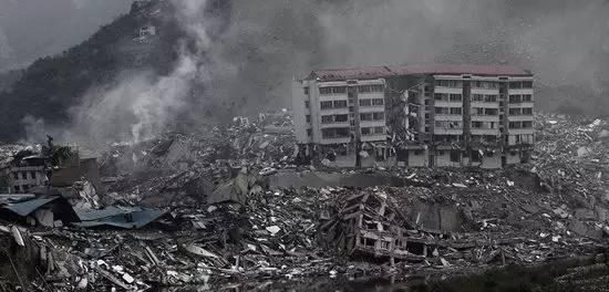 汶川地震11周年丨这20张照片曾让我们泪流满面