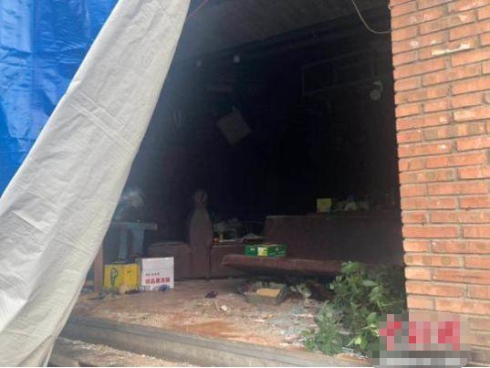 11人受伤!太原一饭店突发爆炸,玻璃渣飞出数十米远!