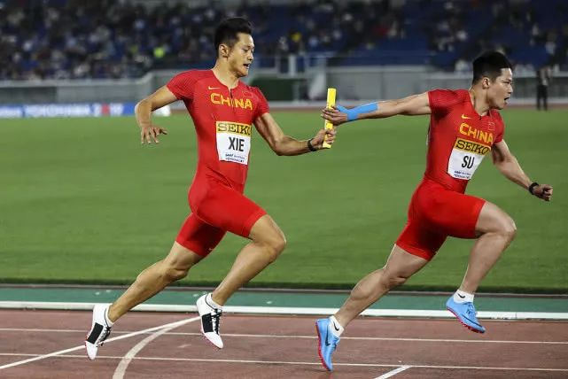 厉害!中国女子4X200米摘银创历史,男女队皆破亚洲纪录!