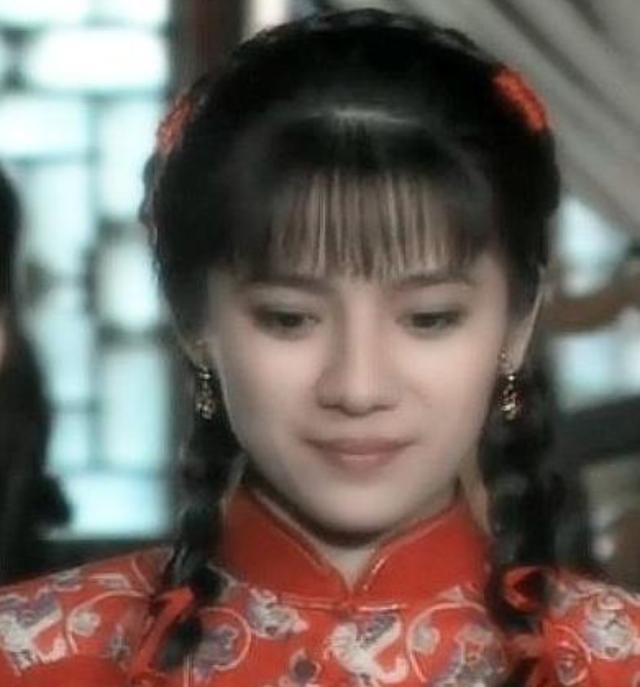 因《婉君》一举成名,嫁台湾第一小生被弃,今与一儿一女相依为命