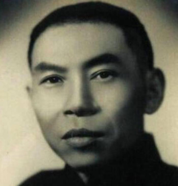 建国后,杜月笙本想回上海,看到一张照片后,立刻打消了念头