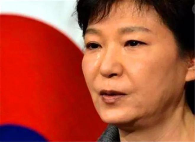 <b>朴槿惠再次入院,文在寅首谈其释放问题</b>