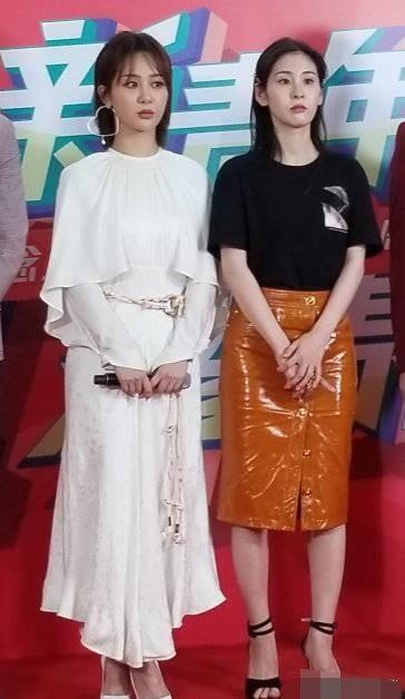张碧晨肤白貌美是真的合影杀手,杨紫站在她身边都黑成煤球了!