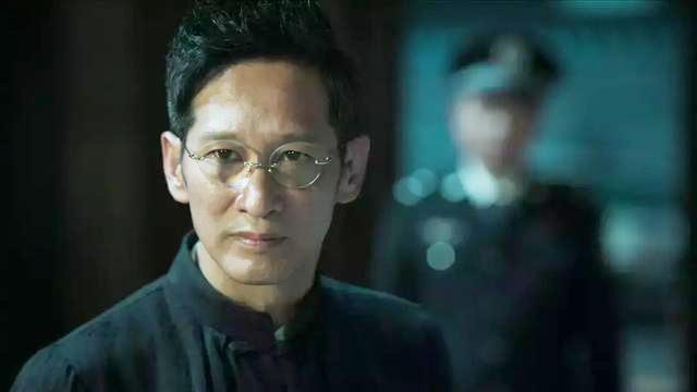"""《破冰》:镜头应用太牛了,一镜揭露林耀东""""皇帝""""般的生活"""