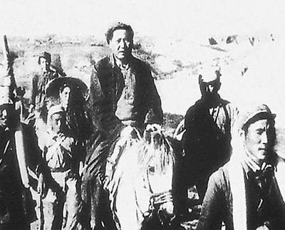"""与敌人擦肩而过!解放战争中毛主席一次""""生死不明""""的历险"""