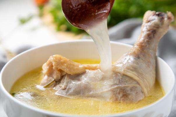 白叟煲汤,光阴越久越有营养吗?喝汤之前,你必要知道这些事