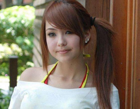 最嫩的女孩_欧阳娜娜才多大 竟然这么穿衣服