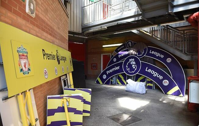 利物浦夺冠备用道具遭遗弃 明年或能派上用场?