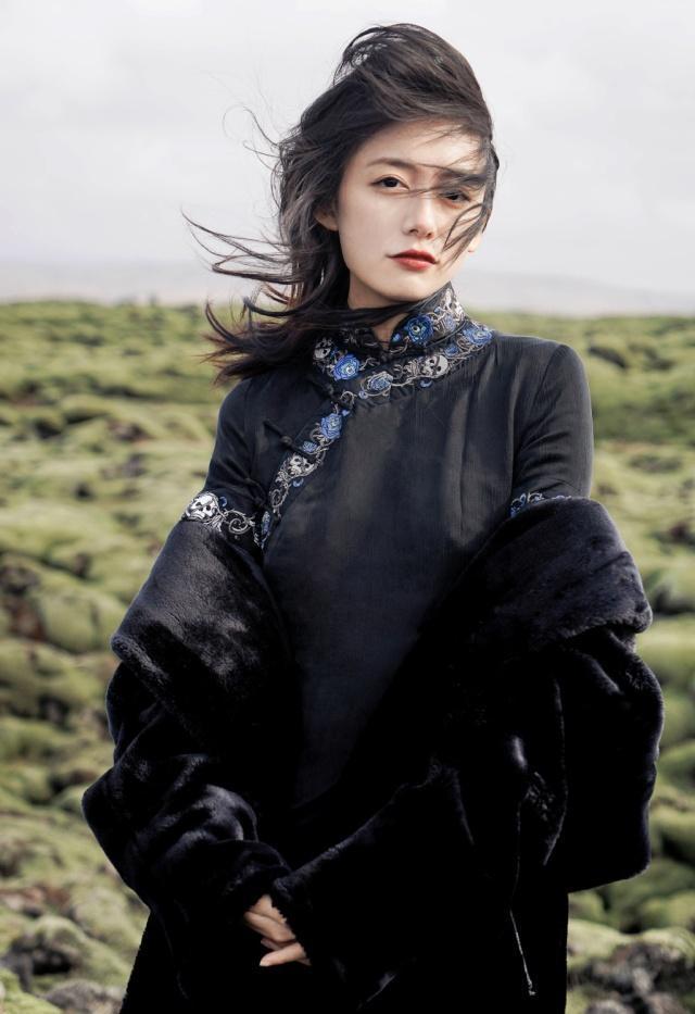 李诞女朋友黑尾酱,晒旗袍装文艺知性,李诞太有眼光了!