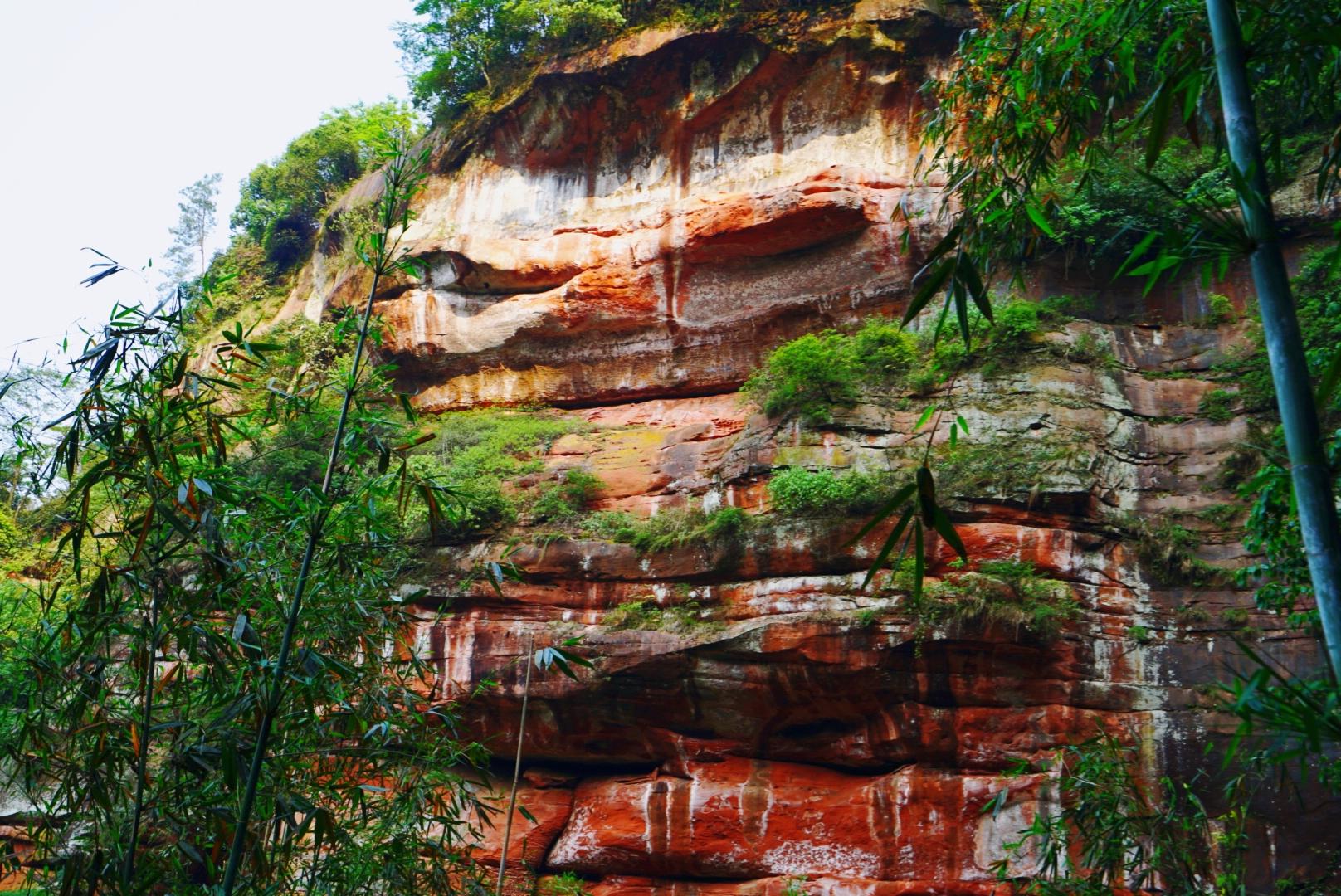 原创             千瀑之市的赤水,不仅有瀑布,居然还有这么美的丹霞