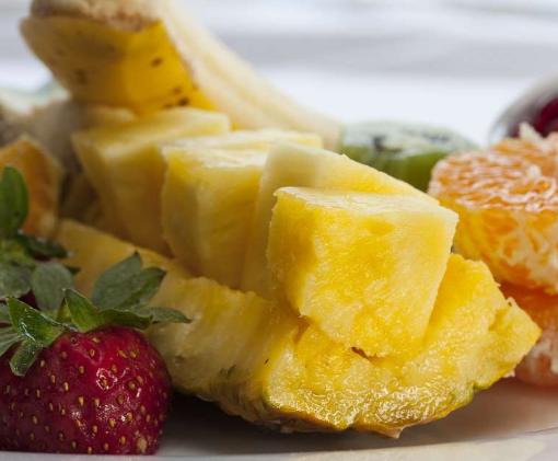 湿气重的人,5种水果最好拉入黑名单,越吃湿气越重,要管住嘴_身体