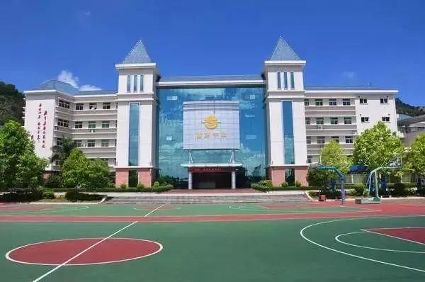 """深圳32名""""高考移民""""被取消报考资格,衡中学生走捷径终被打回原形"""