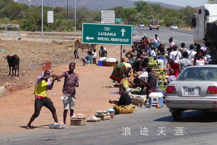 坐大巴横穿赞比亚 沿途随拍