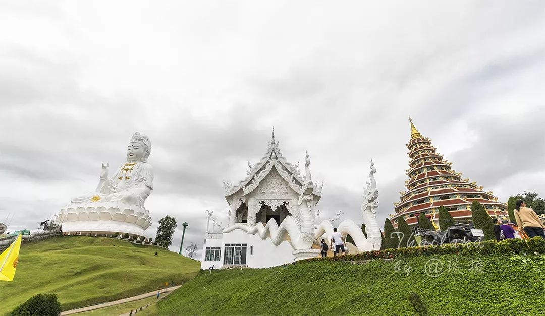"""清莱惊现一座全新""""白庙"""",内有世界最大观音像,足有26层楼高!"""