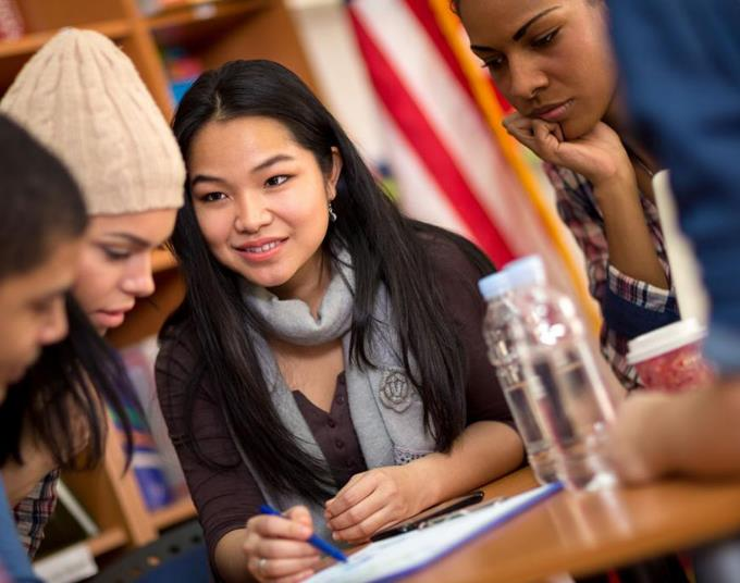 如何自己申请美国高中?这五大条件你一定要知道!