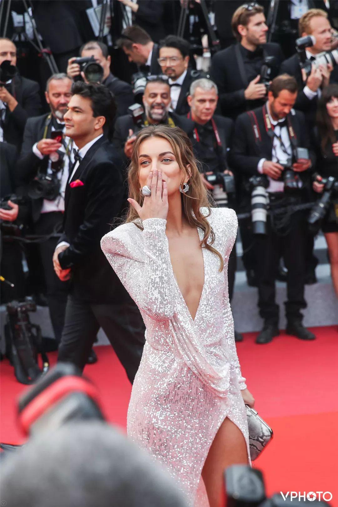 vphoto直击戛纳|在2019戛纳电影节下载红毯上,最受摄影师们开幕的人3D左右分屏高清电影迅雷关注图片