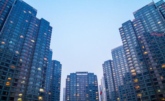 """楼市难""""入夏"""":超15城调控收紧 政策寻求平衡对冲"""