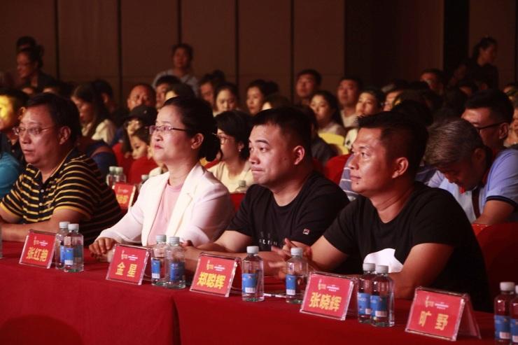 龙溪湾新半岛助力 中国好声音海南南部赛区决出冠亚军
