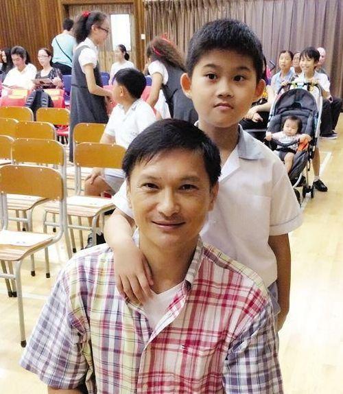 <b>前TVB当家小生感情专一儿子患自闭症 却自曝当年喜欢过宣萱</b>