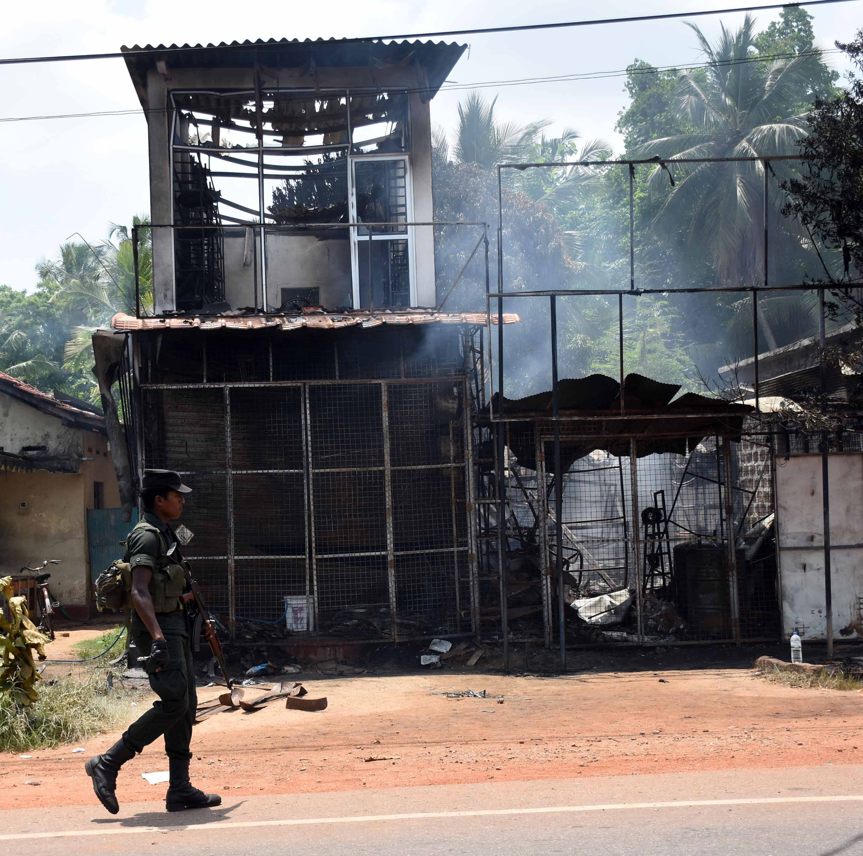 Violence in parts of Sri Lanka - android - Phones Developers -64685f64ef674f40a712b909b2f8a2d9