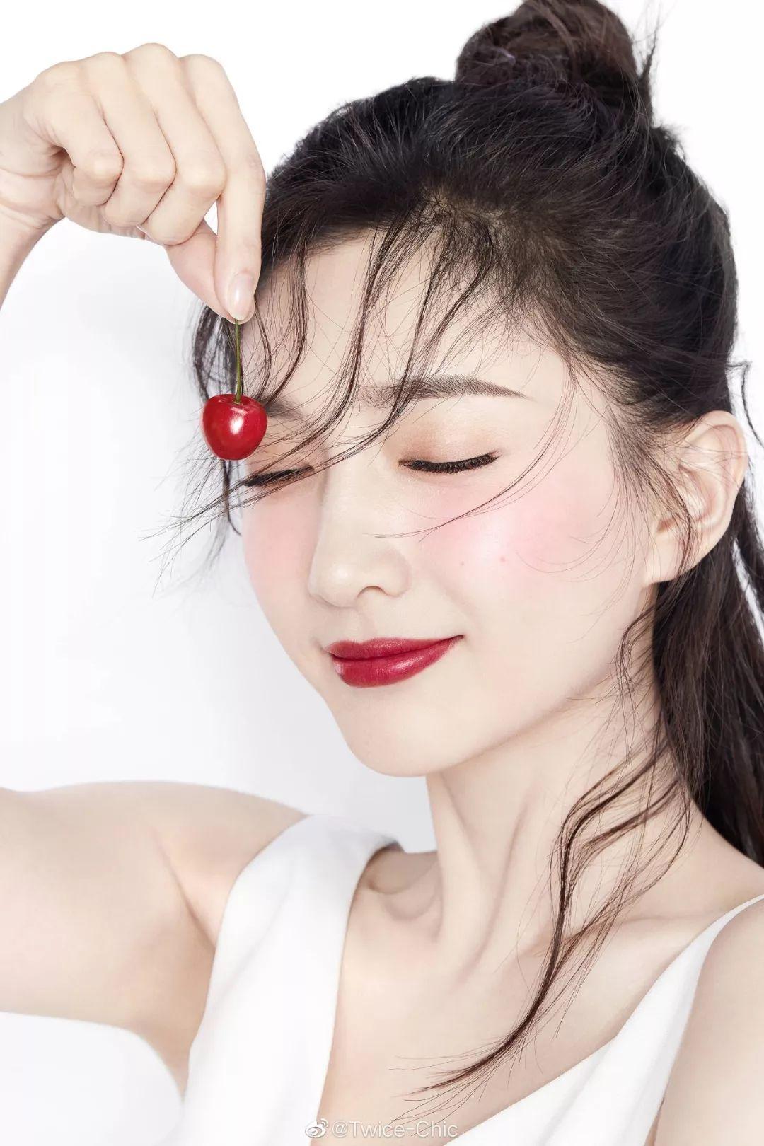 江疏影的樱桃红,视觉舒适感100分!