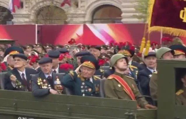 """""""红肠""""or""""红场""""?漫谈俄罗斯阅兵的起起伏伏,有辉煌也有苦楚"""